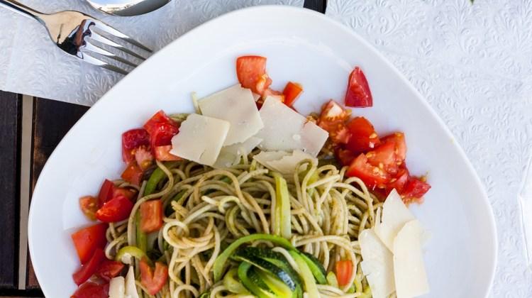 Cook – Zoodles mit selbstgemachten Basilikum Pesto