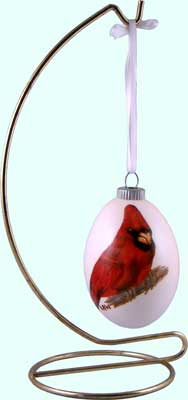 Cardinal on Ornament Style Egg