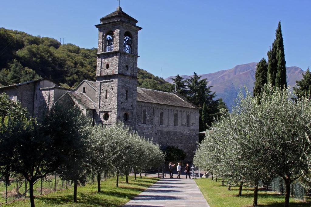 Abbazia di Piona on LakeApp