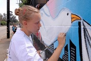 Lake Balboa mural honors slain journalist Daniel Pearl3