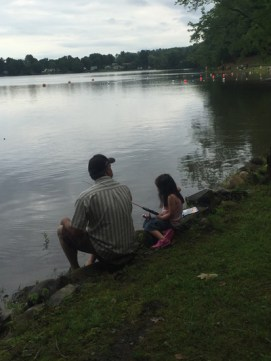 Father-and-Daughter-fishing