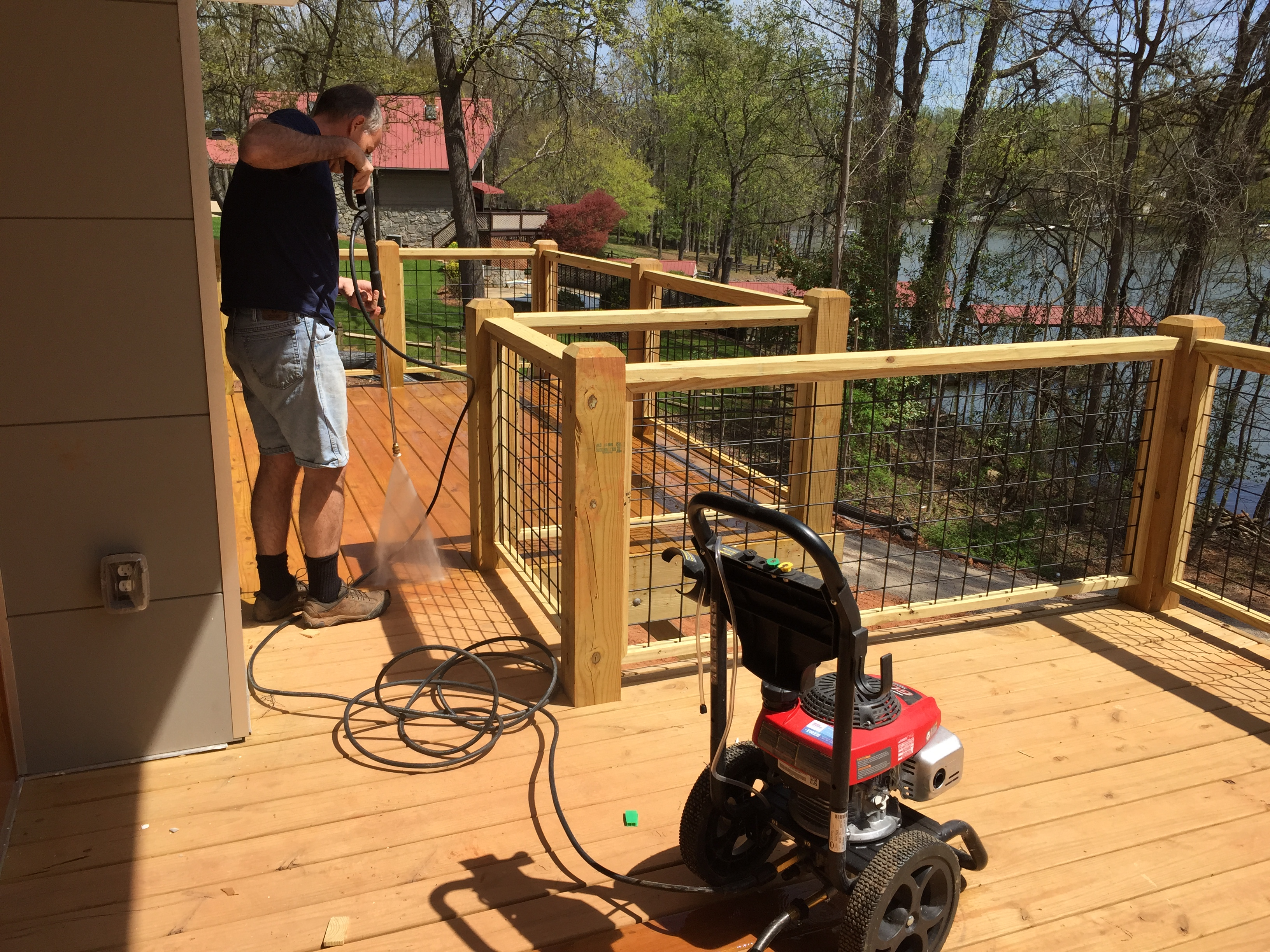 Hog wire Railing  lake living clt