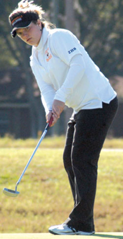 Zephyrhills' Sarah Baniszewski, putting on Hole 8 at Silverado, placed fifth in the Class 2A, District 6 tournament. Photo by Tammy Sue Struble.
