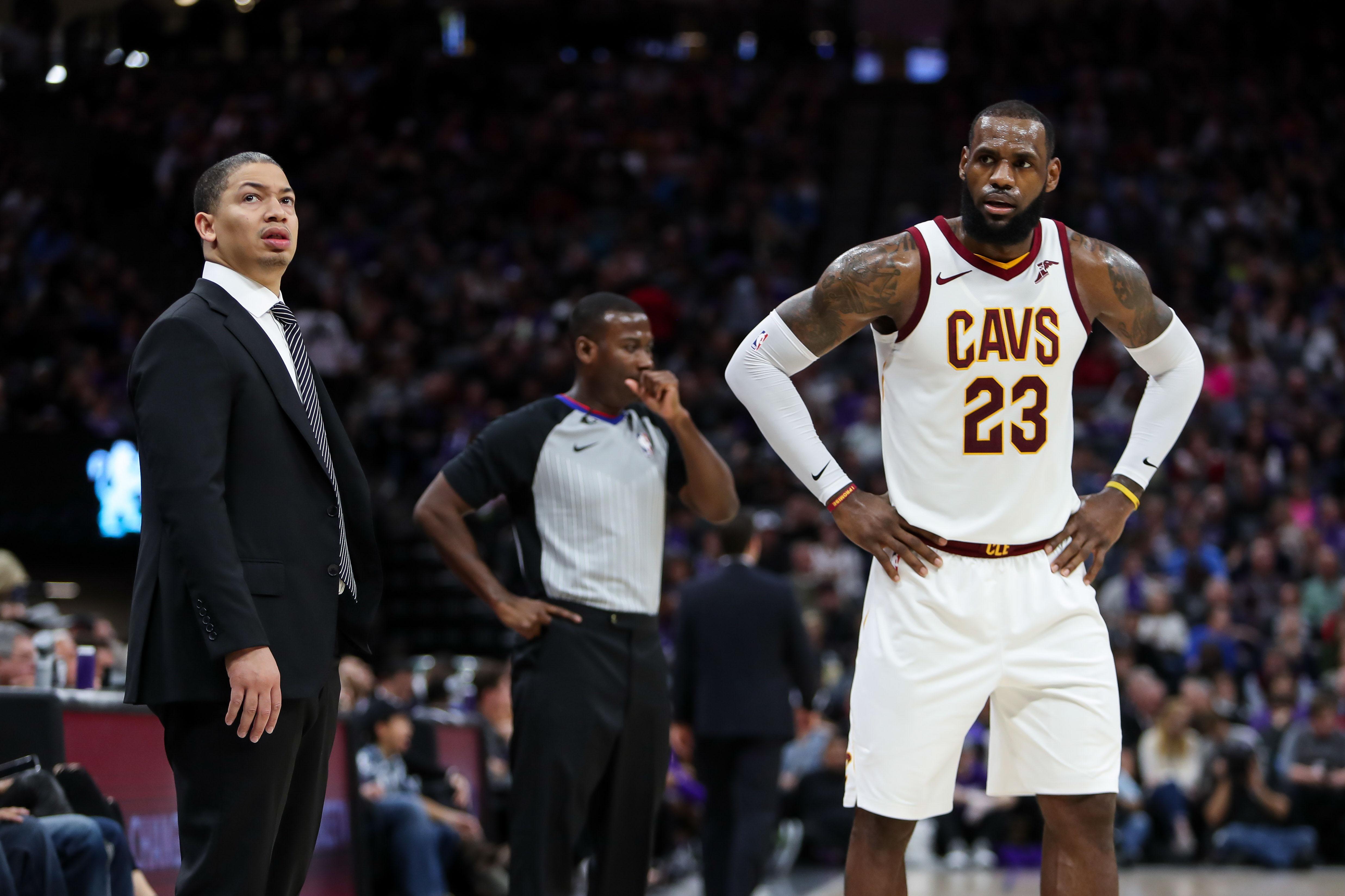 23c1c3d0e17 Dec 27, 2017; Sacramento, CA, USA; Cleveland Cavaliers forward LeBron James  (23) and head coach Tyronn Lue during the game against the Sacramento Kings  at ...