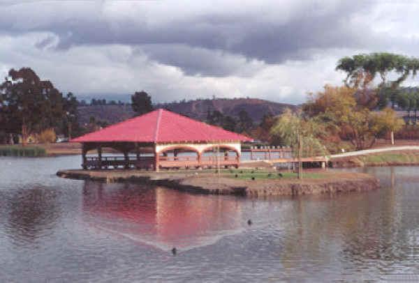 Lindo Lake Boathouse, Lakeside CA
