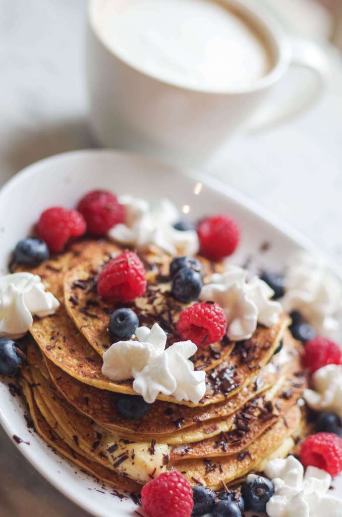 No Carb Pancake Recipe - This will keep you in ketosis but it feels like a pure indulgence. I love this easy recipe! | www.lakesidetable.com