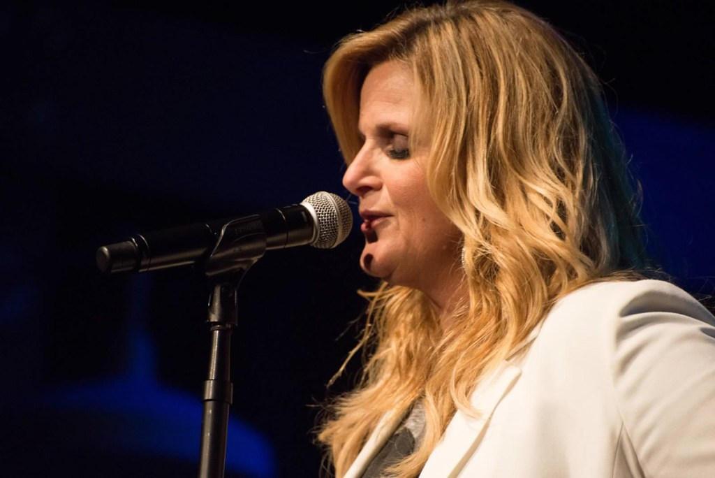 Tricia Yearwood performing at Rock the Cradle