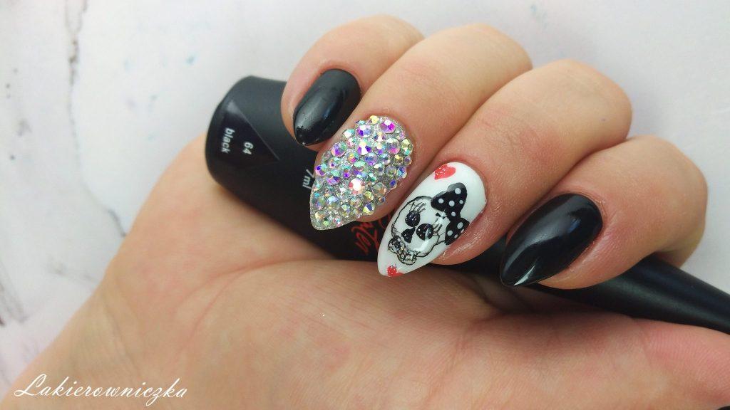 Czaszki Na Paznokciach Ręcznie Malowane Zdobienie Na Halloween