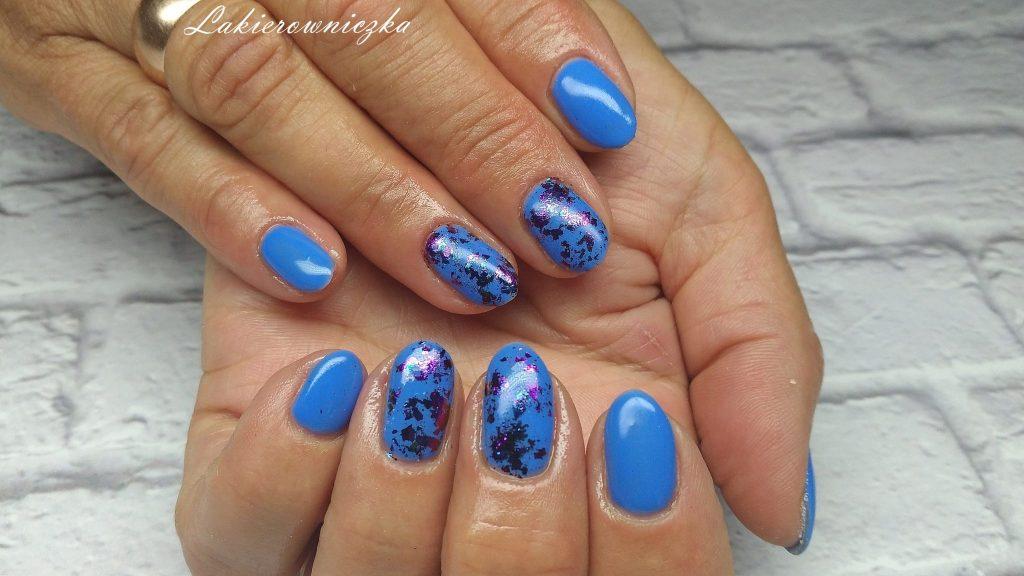 paznokcie-hybrydowe-Lakierowniczka-Provocater-058-niebieskie hybrydy-efekt-kameleona-nietypowy-pylek