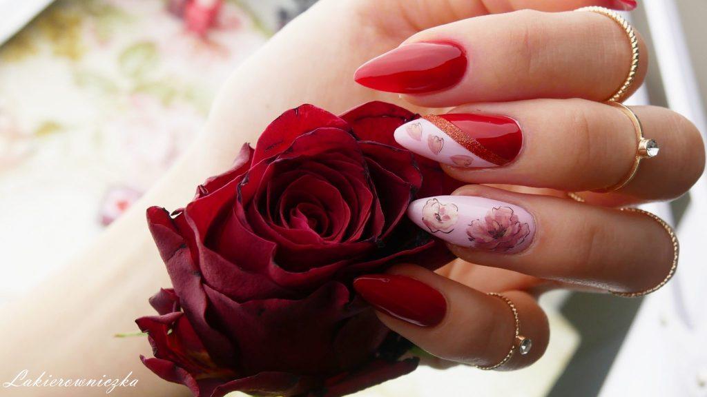 walentynkowe-paznokcie-i-stylizacja-z-Rosegal-hybrydy-hybrydowe-czerwien-czerwone-NCLA-he-lovest-you-not-rose-for-breakfast-roze-Lakierowniczka