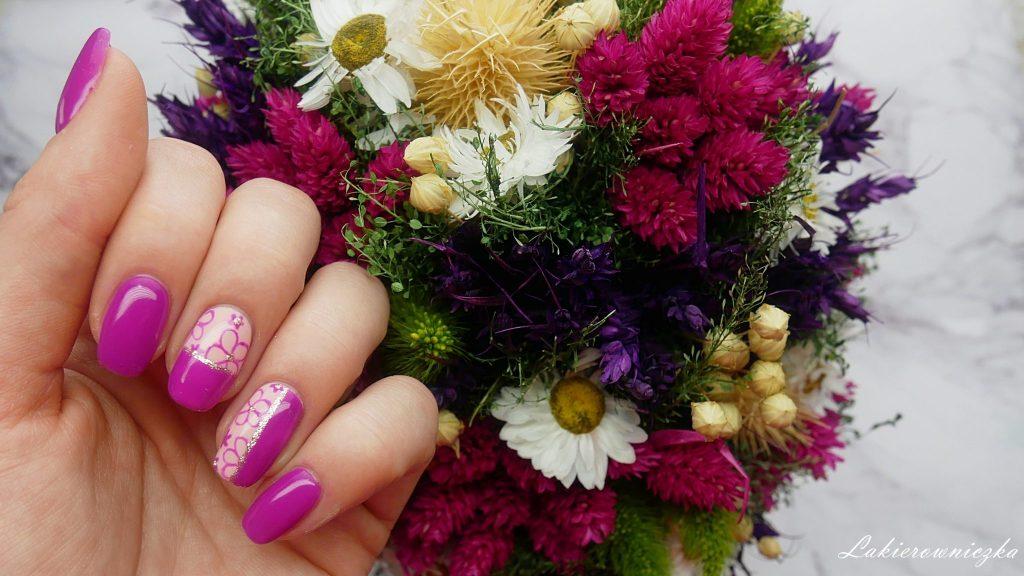 wiosenna-kolekcja-Provocater-follow-me-i-kwiatowe-zdobienie-Lakierowniczka-113-aruba-flamingo-120-day-in-bangkok