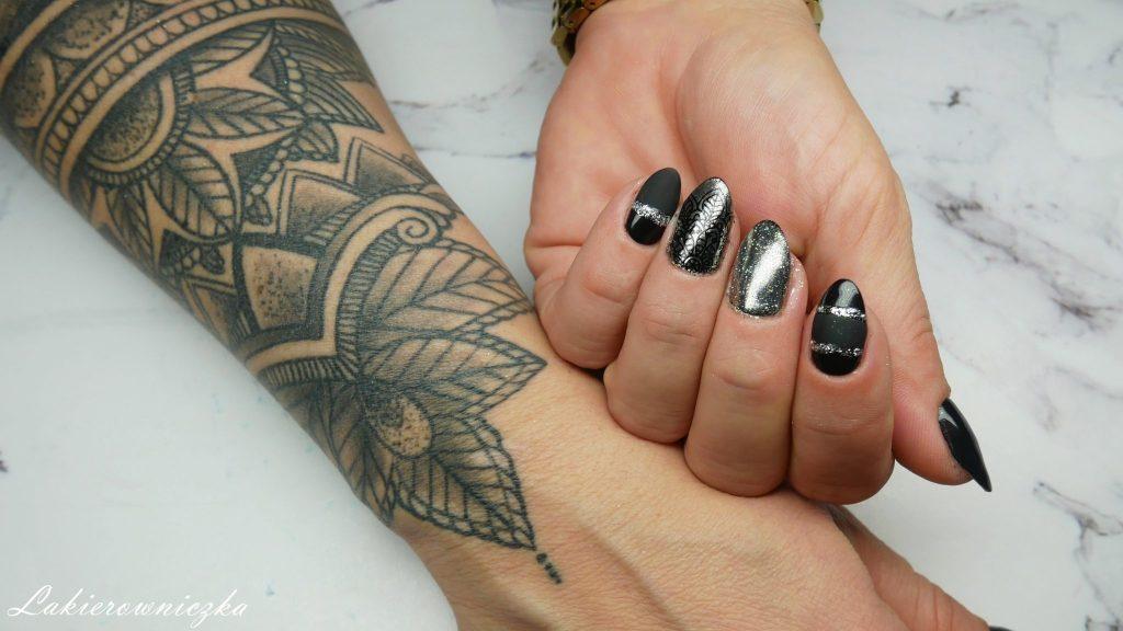 czarno-srebrne-hybrydy-z-matem-stemple-mat-i-polysk-Lakierowniczka-czarne-blacknails-nails-nailart-silver-black-mtte-effect