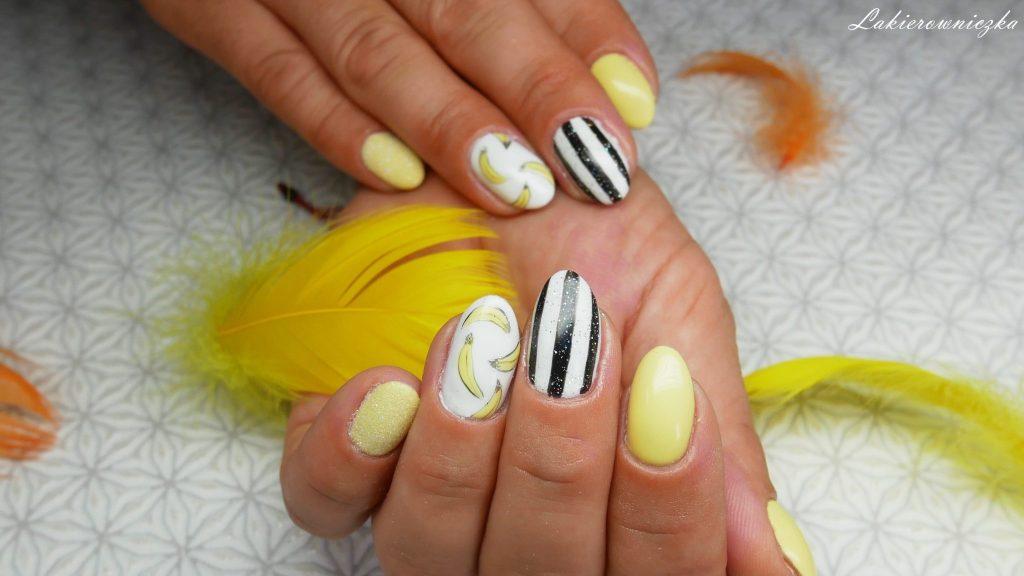 bananowa-hybryda-Provocater-014-vanilla-icecream-na-paznokciach-hyrbydy-bialo-czarne-paski-paznokcie-efekt-syrenki-syrenka-banany-Lakierowniczka