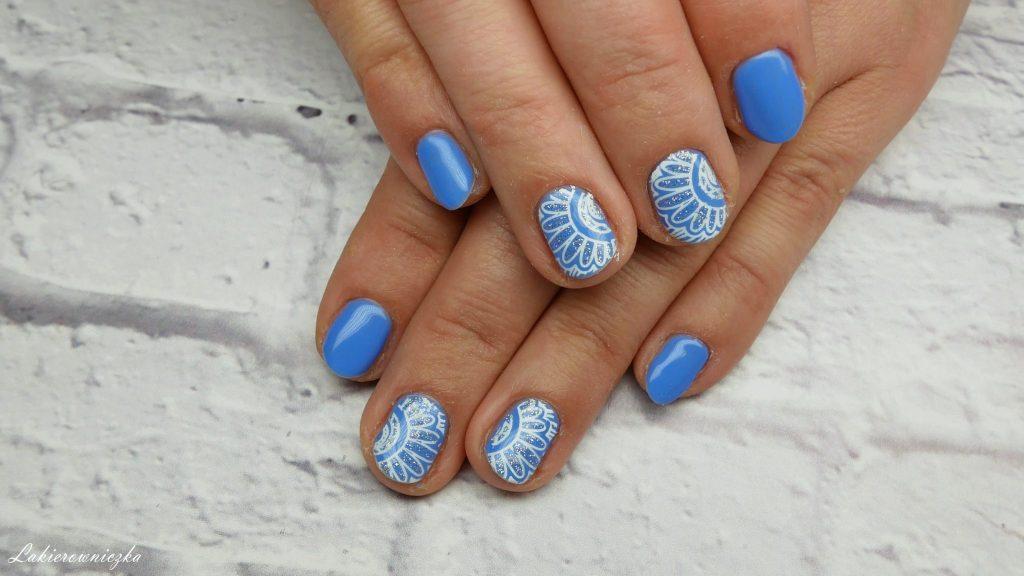 niebieskie-hybrydy-paznokci-blue-hybrid-nails-Provocater-58-blue-spike-stempel-stampink-nailart-Lakierowniczka-niebieskie hybrydy