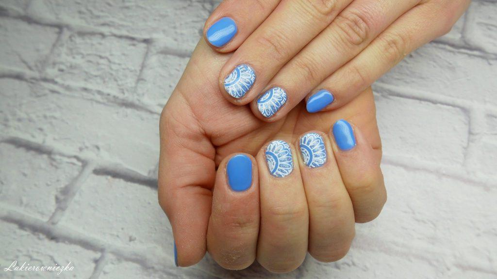 niebieskie-hybrydy-paznokci-blue-hybrid-nails-Provocater-58-blue-spike-stempel-stampink-nailart-Lakierowniczka