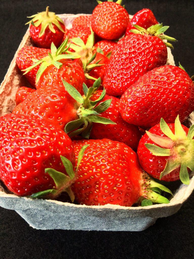 Erdbeer-Blondies-1
