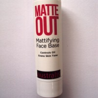 Australis matte out mattifying face base