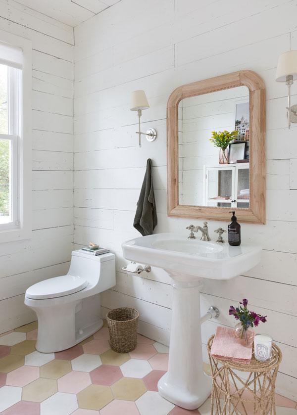 La La Loving | Pink Bathroom