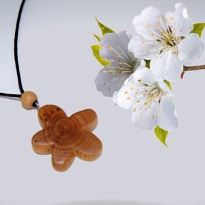Collier Fleur des prés – Cerisier