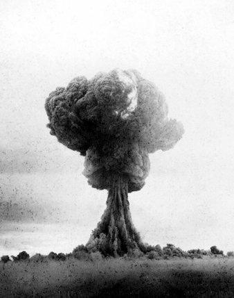 Qui A La Bombe Atomique : bombe, atomique, Comment, Staline, S'est, Doté, Bombe, Liberté