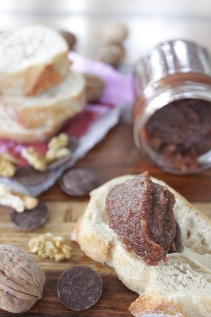 Confiture de noix au chocolat