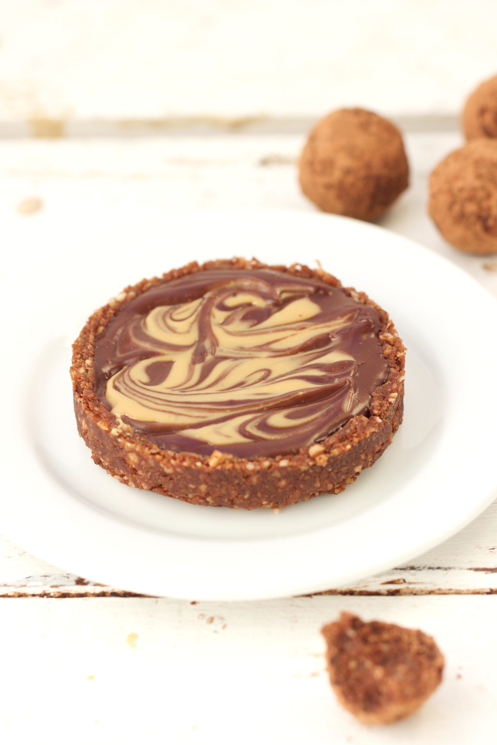 Tarte crue chocolat et beurre de cacahuète