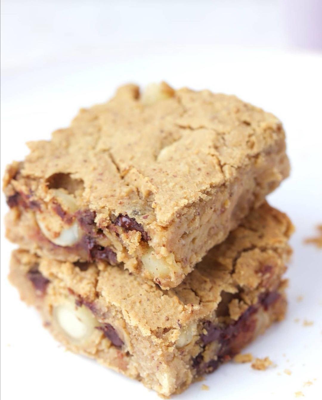 Blondie au beurre de cacahuète (vegan & sans gluten)