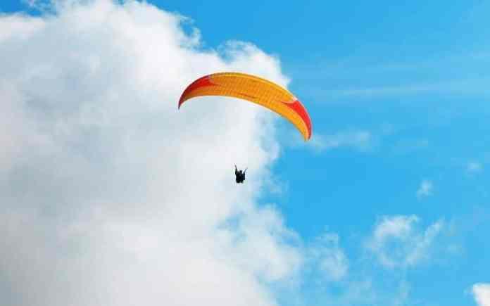 himachal pradesh paragliding
