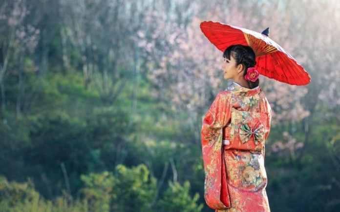 japan lady with umbrella