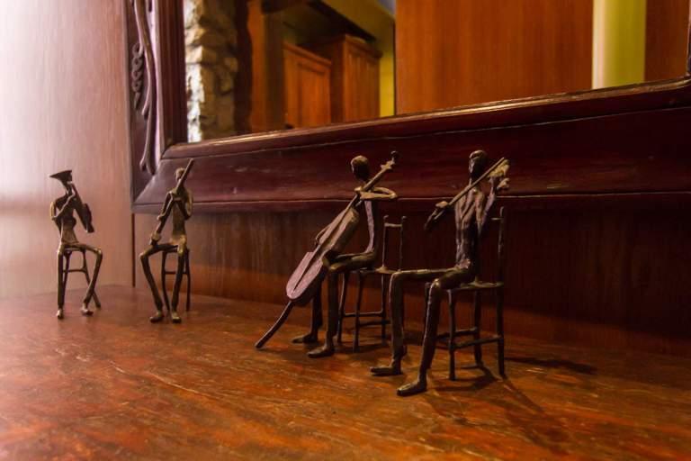 musiciens dans le couloir