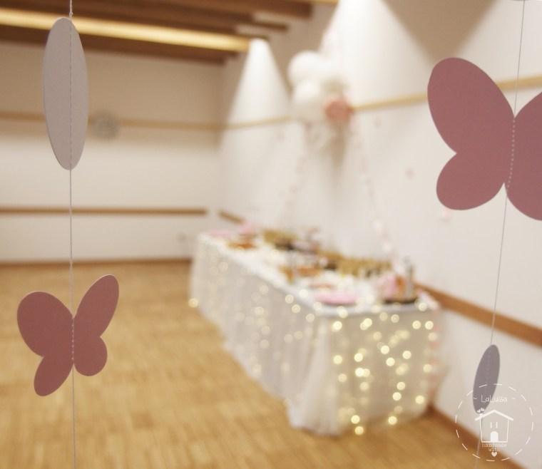 allestimento festa di compleanno tema fiori e farfalle