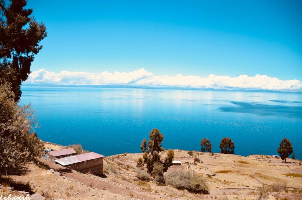 Titicaca lac Uros îles flottantes Taquile Pérou