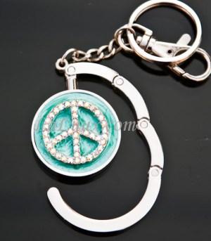 Taskeholdere med fred symbol og krystaller