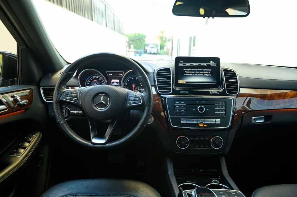 2019-Mercedes-GLS-450-7381