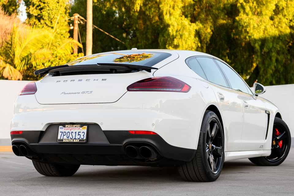 2016_Porsche_Panamera_GTS-0124