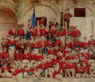 maddalenini in camicia rossa