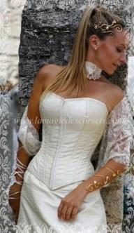 Créatrice de Corset de mariée en soie ivoire