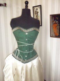 robe-mariee-corset vert-medieval