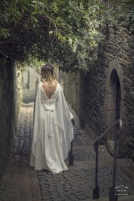 robe-de-mariee-medievale-mousseline-dos