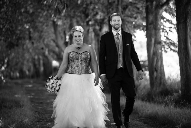 robe de mariée corset couple