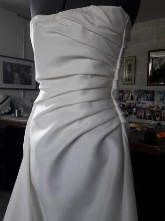 creation-robe-sur-mesure-drapé