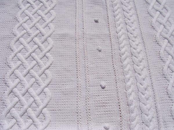 Couverture bébé, tricot irlandais, 100% coton. fait main, pièce unique, création originale la Malle au Coton