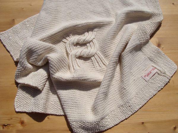 Couverture bébé coton bio. Motif double en relief nœud. Confection artisanale, fait main, pièce unique, création originale La Malle au Coton