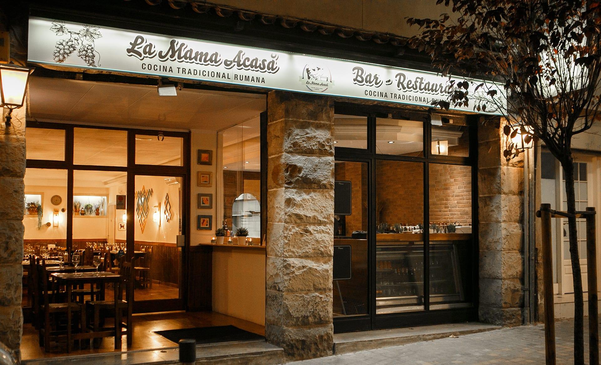 Restaurante La Mama Acasa  Cocina tradicional Rumana en Barcelona