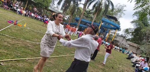 Agasajo a los adultos mayores de las parroquias Pucayacu, Guasaganda y La Maná