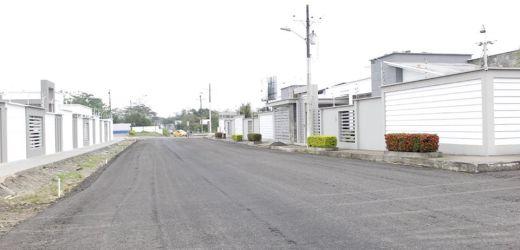 Mejoramiento del suelo de la calle Imbabura
