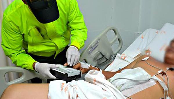 Detenida una mujer en Socuéllamos por quemarle el pene y los testículos a su marido con la plancha