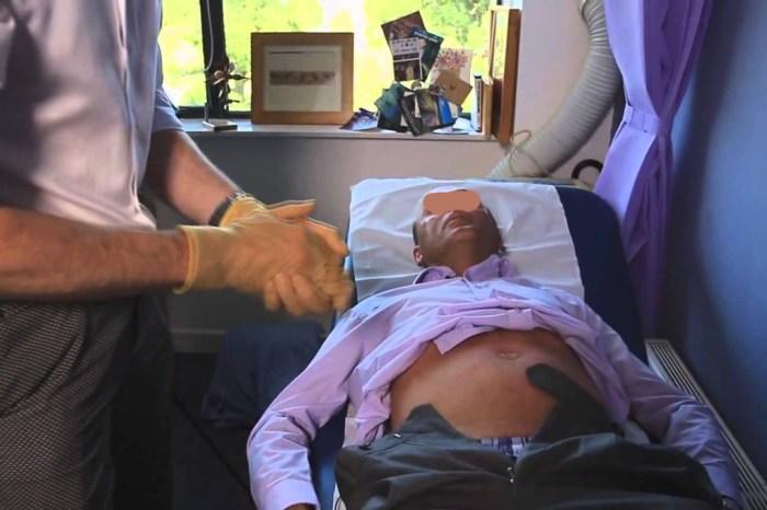 Detienen a un señor de San Clemente por cagarse en la mano del medico que le practicaba un tacto rectal