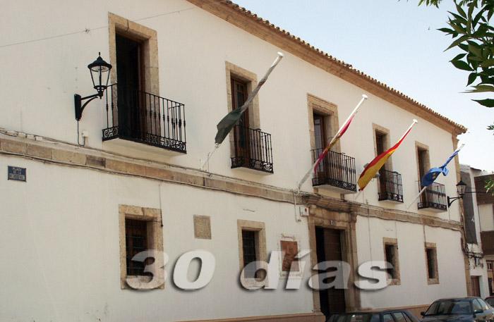 Un funcionario del ayuntamiento de Las Pedroñeras pide que no lo jubilen para no tener que estar con su mujer en casa
