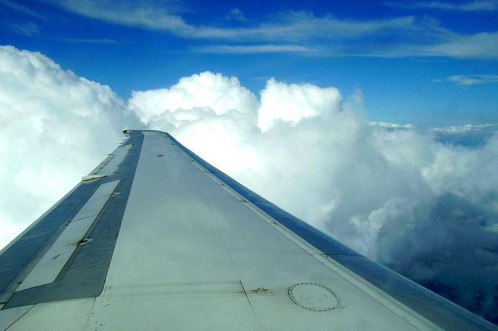 La Mancha Today ha sabido que Cospedal quiso recortar las alas de todos los aviones que aterrizaban en la comunidad